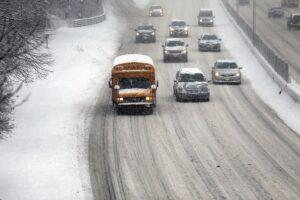 new-york-city-battles-through-another-winter-storm
