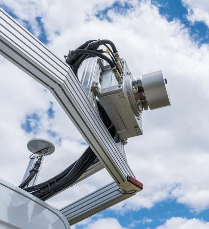 Fast Laser Scanner Also Measures Surface Moisture